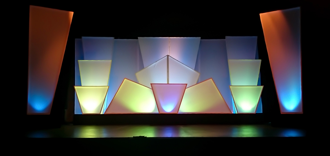 whitescenography03.jpg
